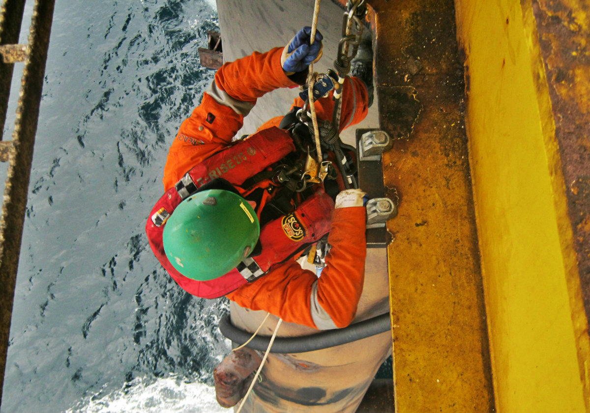 rope access technician scotland.JPG